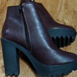 Burgundy ankle boots size 8
